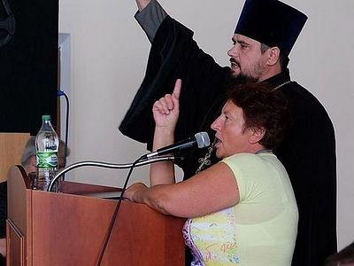 О том, как Бориспольские депутаты Крестный ход запрещали