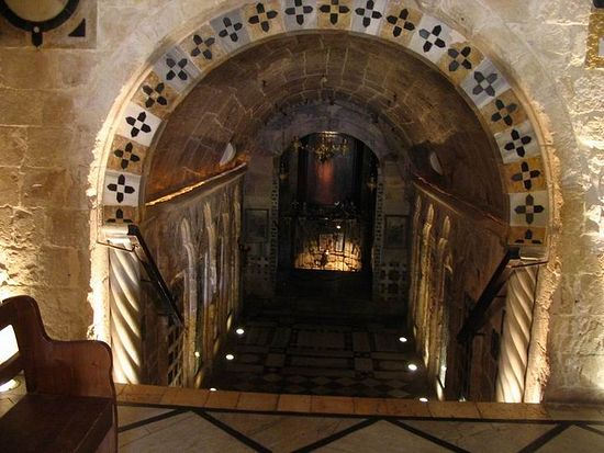 In the ground level, at the edge of the hallway, there is a gentle flow of water. This spring is believed by the Greek Orthodox to be Mary's Spring, the site of the Annunciation.