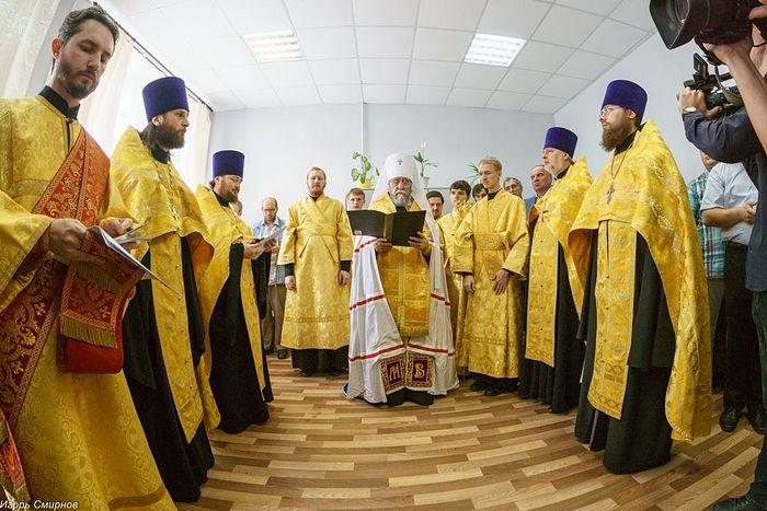Освящение первой церковной социальной гостиницы для бездомных при Серафимо-Вырицкой обители милосердия Омской епархии