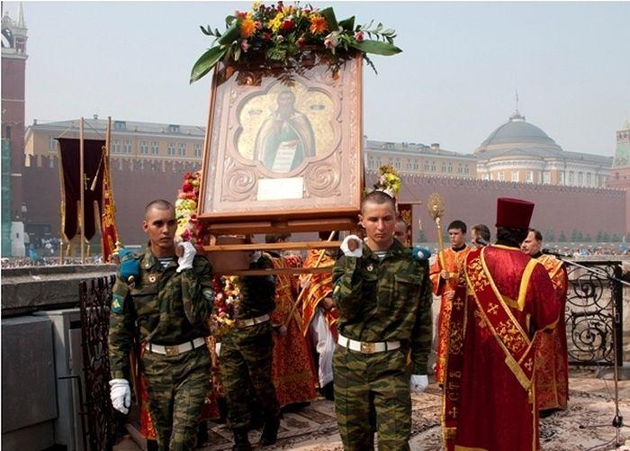 http://www.pravoslavie.ru/sas/image/102437/243737.p.jpg?mtime=1469886783