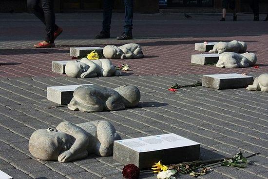 Памятник жертвам абортов в Риге