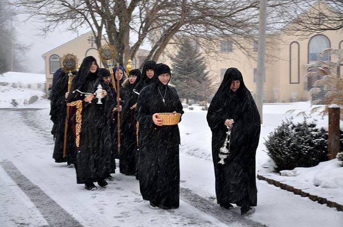 Сестры монастыря Рождества Пресвятой Богородицы