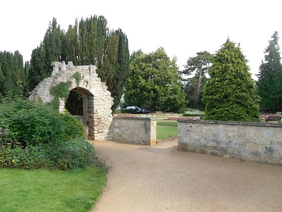 Abbey ruins and garden in Abingdon, Oxon (photo by Irina Lapa).