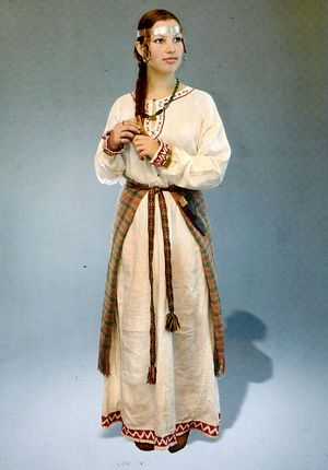 Реконструкция женского костюма