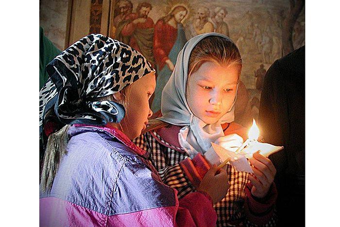 Дети на службе в храме