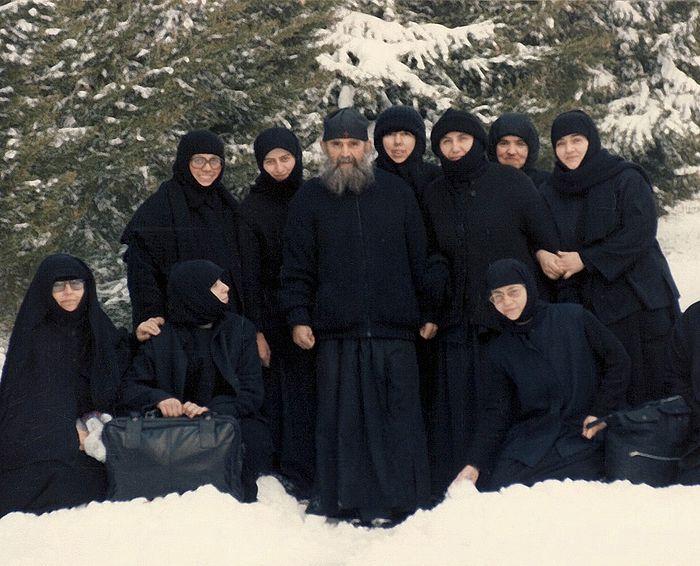 Frère Ephraim avec ses sœurs en Amérique du Nord