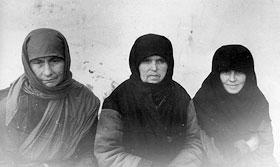 Арестованные обитательницы Дубчесских скитов.