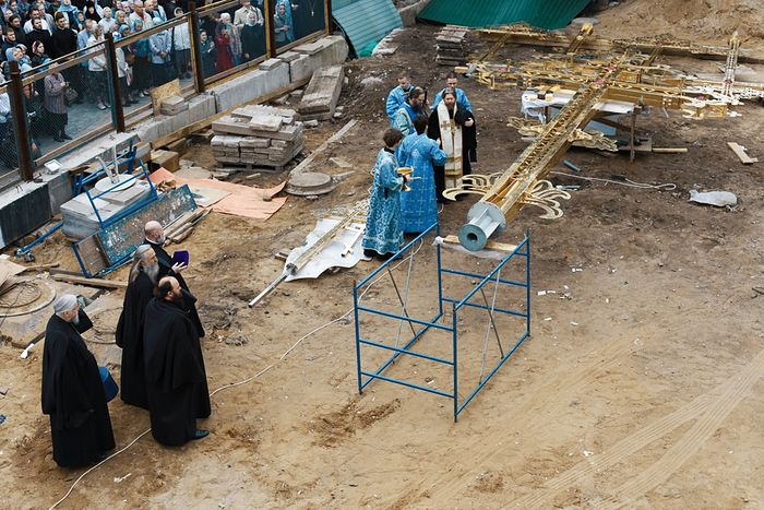 Освящение креста. Фото: Иоанн Ткаченко
