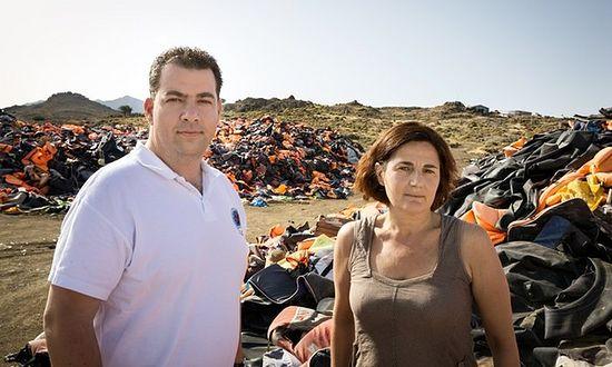 Efi Latsoudi and her fellow award-winner, sea captain Konstantinos Mitragas. Photograph: Gordon Welters/UNHCR
