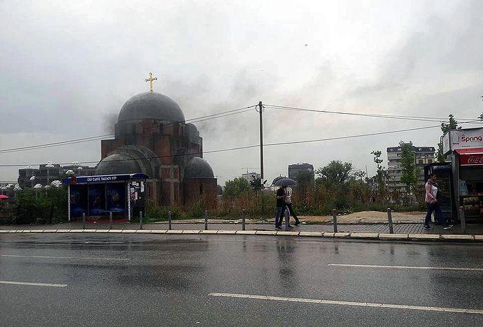 Косово и Метохия. Приштина. Пожар в храме Христа Спасителя