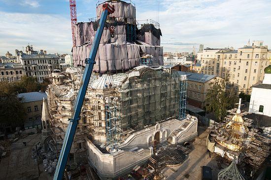 Уочи постављања централне куполе. Фото: Глеб Заика