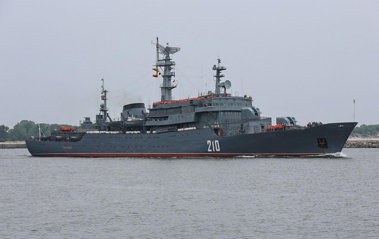 Российские курсанты приняли Таинство Крещения в морском походе