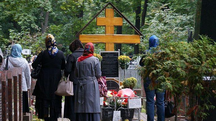 Могила отца Валентина Амфитеатрова