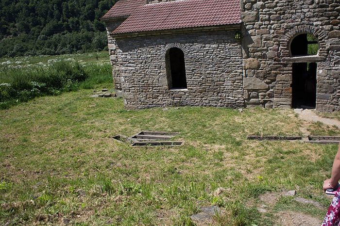 Ancient burials near the tenth-century middle Zelenchuk church