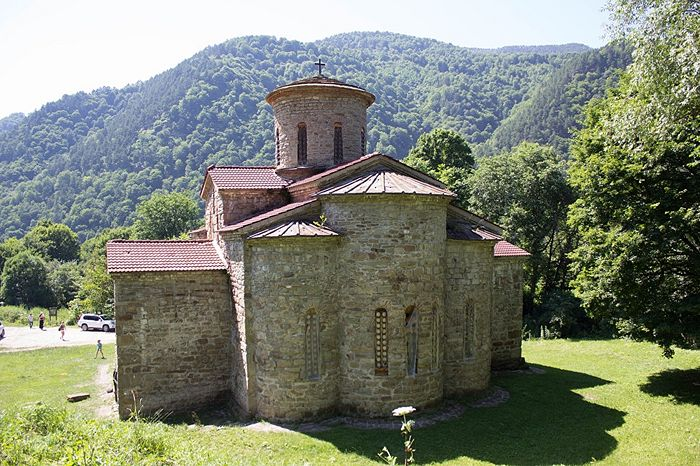 Tenth-century north Zelenchuk church