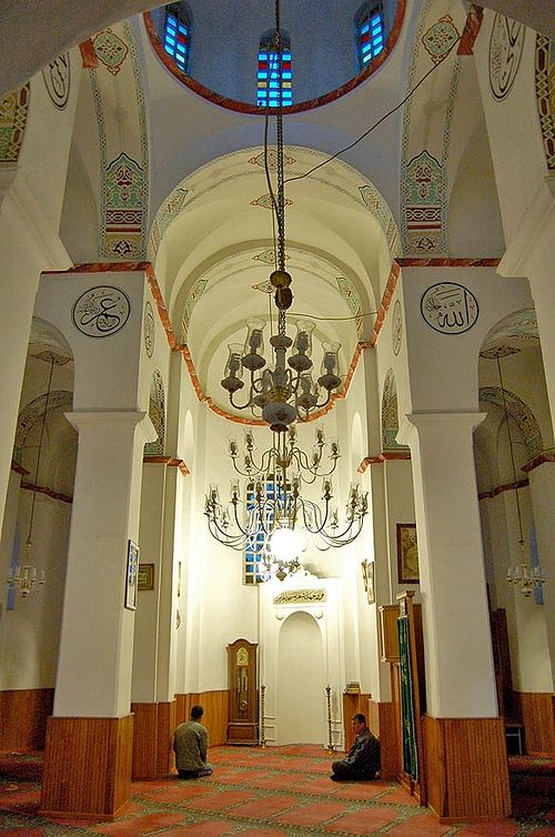 The right-shifted mihrab testifies about the original function of the building