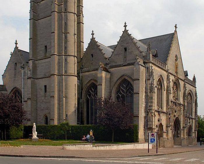 Церковь св. Иоанна Крестителя в Перонне, Франция (фото - Michael Krier)