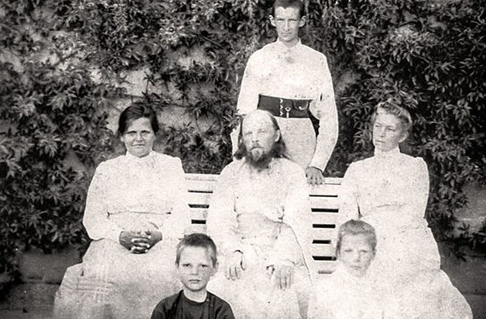 Fr. Alexiy Mechyov with his family. Anna Petrovna, Fr. Alexiy's wife, is to the left of him.