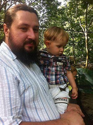Священник Алексей Кузнецов с сыном