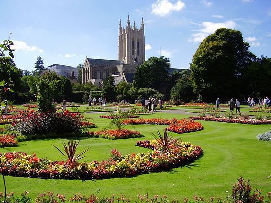 The Abbey Gardens in Bury St. Edmunds. Photo: http://wheredowe.co.uk/have-fun/abbey-gardens-bury-st-edmunds/