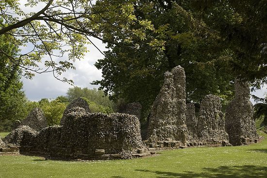 The Abbey ruins, Bury St Edmunds. Photo: https://en.wikipedia.org/wiki/Bury_St_Edmunds_Abbey