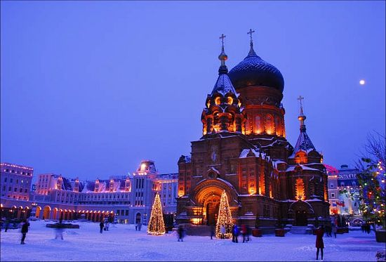 Photo: http://www.heraldmalaysia.com/news/st-sophia-cathedral-in-harbin-recognised-as-part-of-chinas-architectural-heritage/32438/1