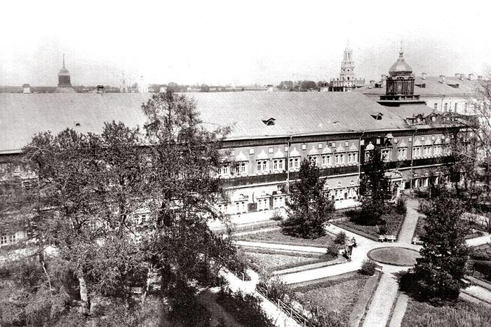 Московская духовная академия и Покровский храм в период с 1892 по 1913 г.