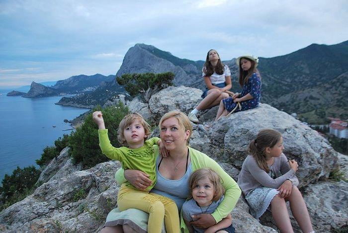Супруга Владимира Лучанинова Наталья с дочками