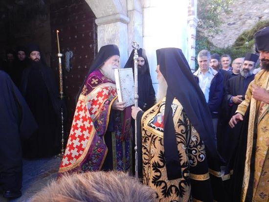 Торжественная встреча у монастырских врат