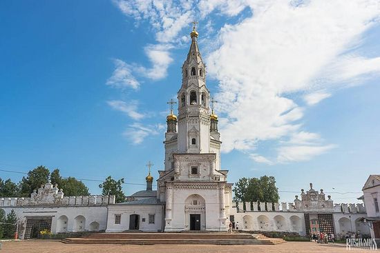 The Trinity Cathedral. Photo: http://russia-insider.com/