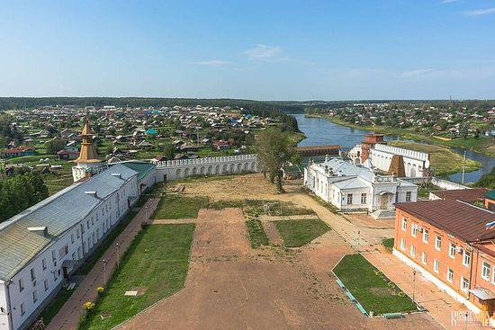 Verkhoturye Kremlin. Photo: http://russia-insider.com/