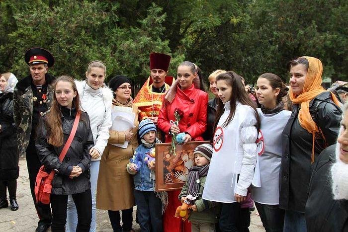 Начало автопробега против абортов, Симферополь, 2011
