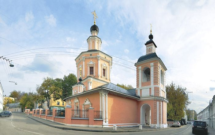 Храм Святой Живоначальной Троицы в Хохлах