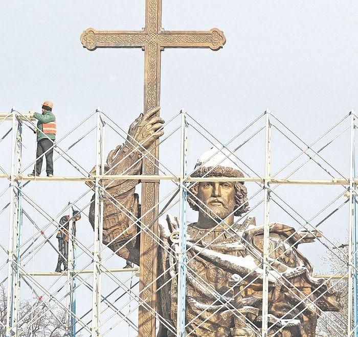 1 ноября 2016 года. Памятник Князю Владимиру накануне открытия. Фото: Евгений Федоровский