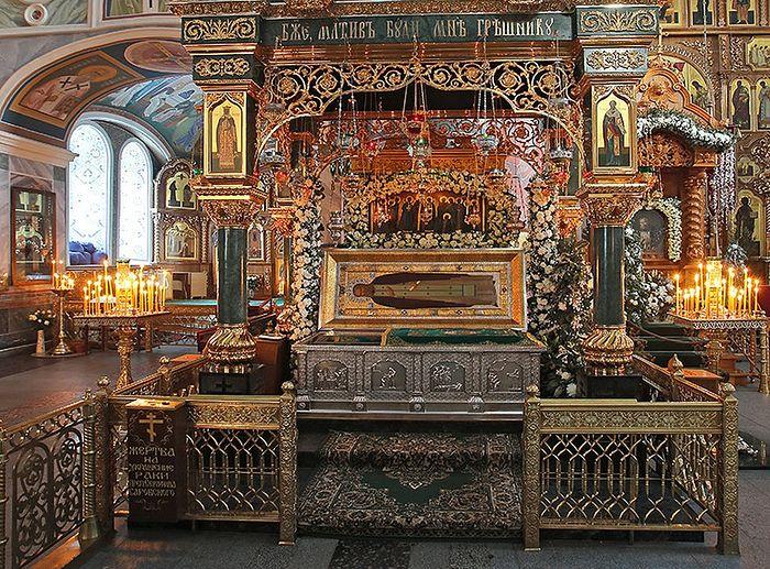 Рака с мощами преподобного Серафима Саровского. Фото: Из архива монастыря