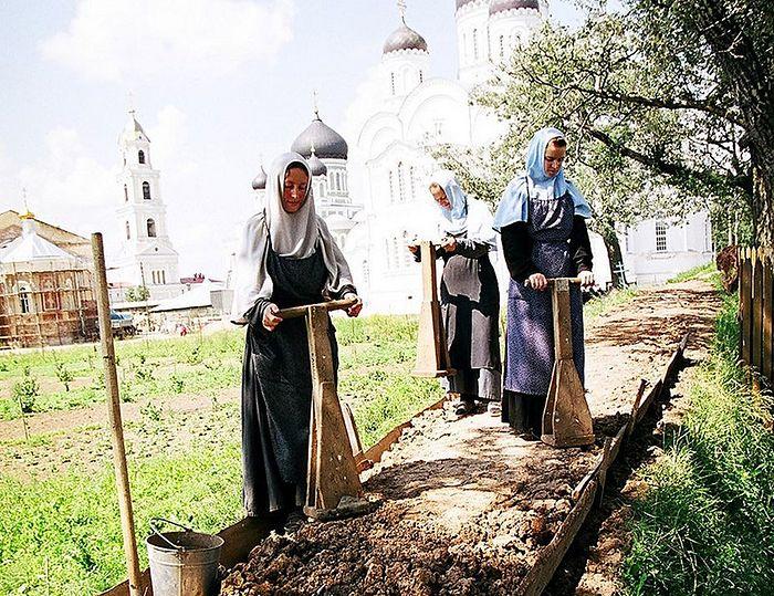В возрождённом монастыре Канавку обустроили именно так, как наказывал старец Серафим. Фото: Из архива монастыря