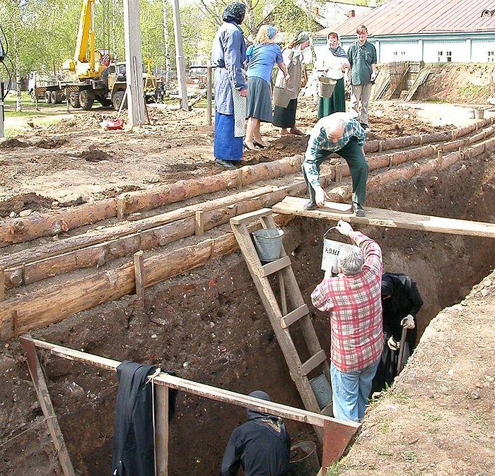 Работы по восстановлению и обустройству Святой Канавки. Фото: Из архива монастыря