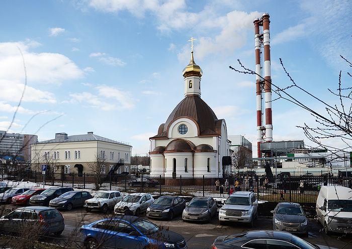 Храм священномученика Ермогена, Патриарха Московского и всея Руси, в Крылатском