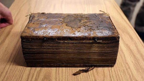 A complete New Testament, handwritten in Greek in the 9th century and looted 99 years ago from a monastery in northern Greece, is being returned by Lutheran School of Theology at Chicago to a Greek Orthodox Church. (Phil Velasquez / Chicago Tribune)