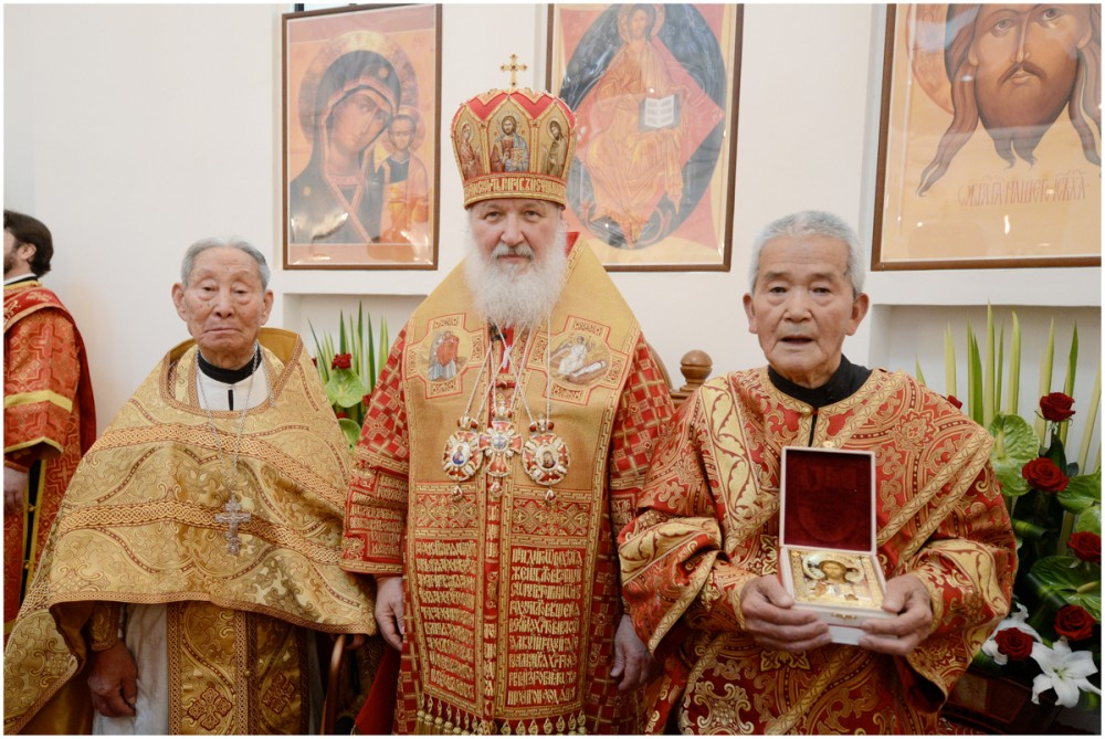 His Holiness Patriarch Kirill's 70th birthday.  With the oldest clergy of the Chinese Orthodox Church. Shanghai, China. May 15, 2013.