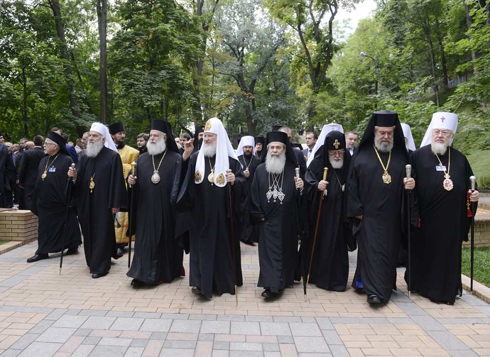 His Holiness Patriarch Kirill's 70th birthday.  1025th anniversary of the Baptism of Rus. With primates and representatives of Local Orthodox Churches before the Moleben on Vladimir Hill in Kiev. July 27, 2013.