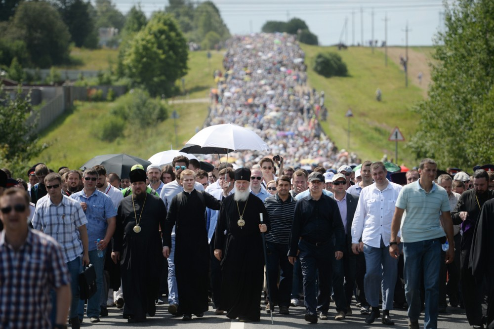 His Holiness Patriarch Kirill's 70th birthday.  Celebration of the 700th anniversary of St. Sergius of Radonezh. Cross procession from Khotkovo to Sergiev Posad. July 16, 2014.