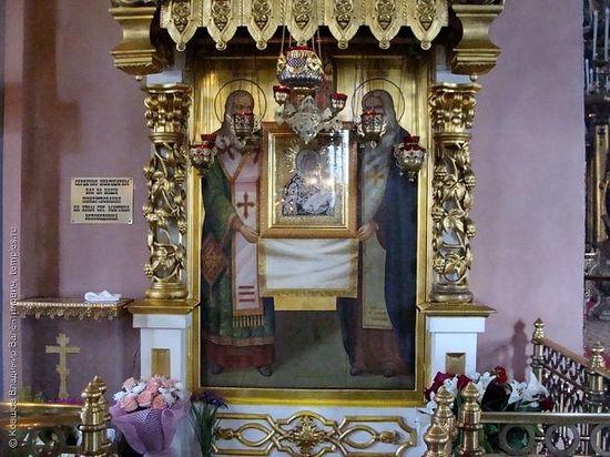 Главная святыня храма Мартина Исповедника — древний список Грузинской иконы Божией Матери