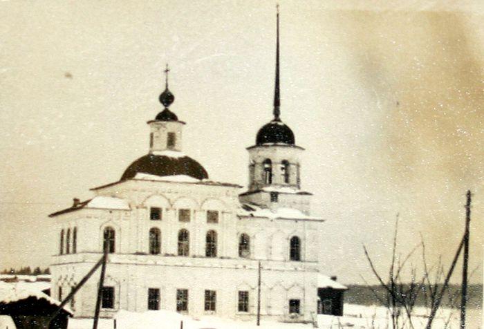 Так выгядел Богоявленский храм деревни Ляли до разрушения