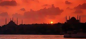 Константинополь на закате солнца.