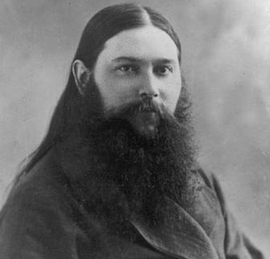 Священник Владимир Медведюк. Фото с сайта drevo-info.ru