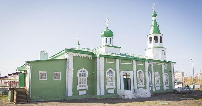 Храм Святой Троицы в Красном Куте