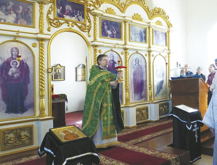 Настоятель Троицкого храма протоиерей Александр Писларь