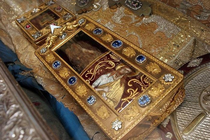 On the mysteries and miraculous power of Orthodox holy objects