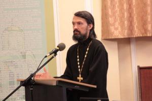 Прот. Максим Колесник, выпускник трех духовных школ